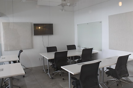 Nomadworks - Well-Lit Team Room