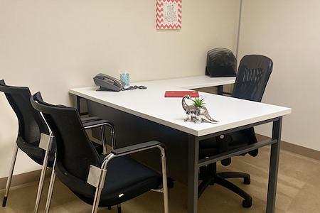 (PHO) Elevate 24 - Quiet Interior Office