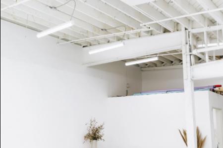 Wilhardt & Naud - Creative Workspace / Large Cyc Wall