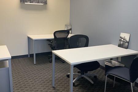 Regus   Esquire Plaza - Office 1738