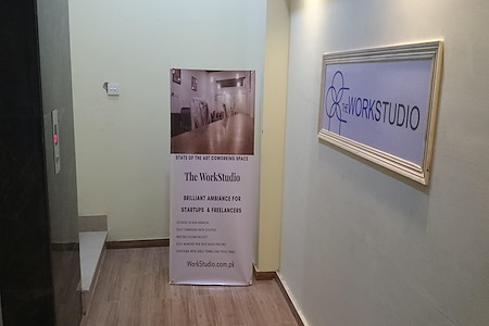 Rent Private Office Space In Karachi