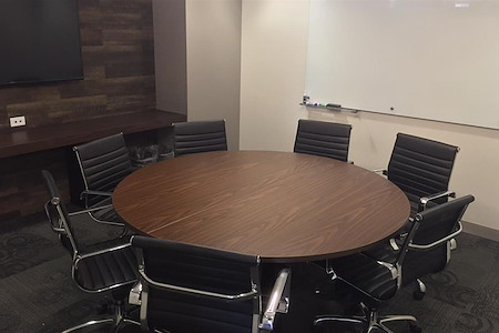 Corporate Suites: 2 Park Avenue - 6 Person Meeting Room