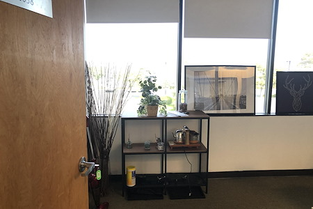 DoBe WE Co working office - Suite 2038
