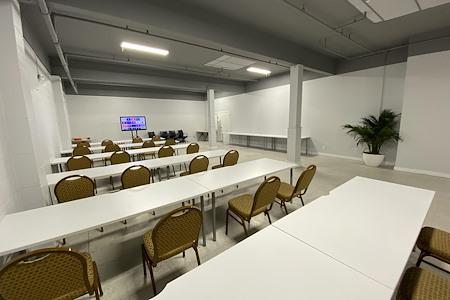 VolumeGraph - Enormous Flex Space - Training Room