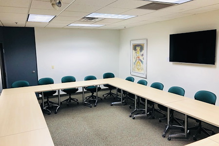 Filament Workplace - Meeting Room for 30