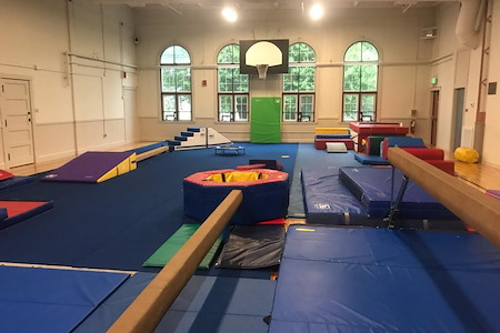 Roudenbush Community Center - Gym