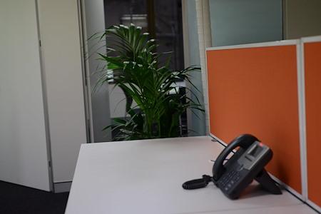 AUP IT - Hot desks x 8