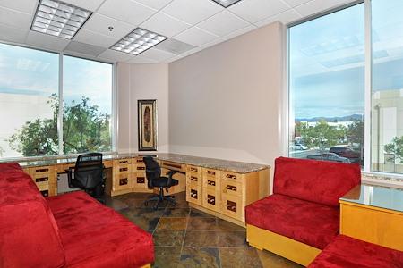 Irvine Spectrum Productivity Suites - Office Suite 204