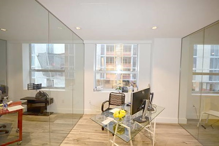 KH Properties - Downtown Miami - Office 2 (2 people)