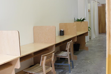 OSTUDIO - Dedicated Desk 1