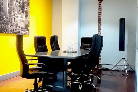 Station Loft Works - Meeting Room