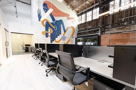Charley Co. - Dedicated Desk