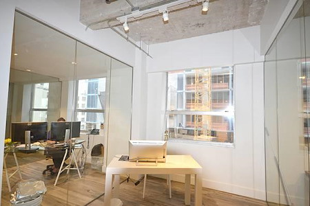 KH Properties - Downtown Miami - Office 1 (2 people)
