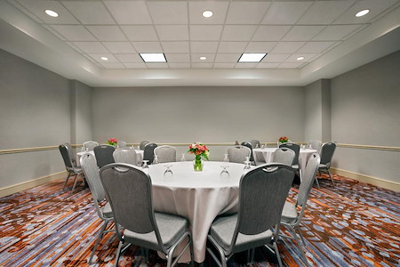 Hilton Garden Inn New Orleans Convention Center - St. Charles Room