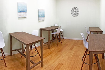 Freeport Coworks - Open Desk 1