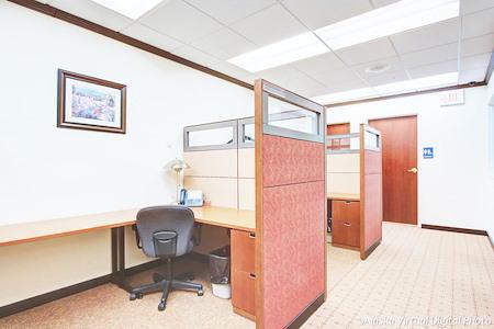 Alaska Co:Work / Northern Trust Real Estate Building - Hot Desks