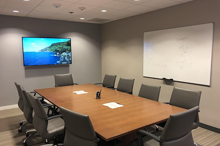 BLANKSPACES | IBASE Irvine - Medium Meeting Room #1520