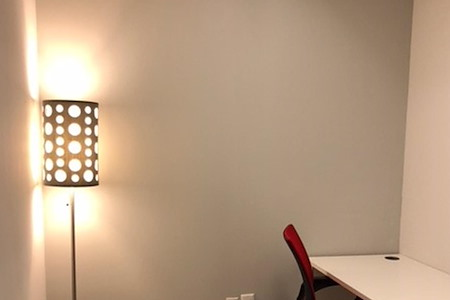 NYC Office Suites - 420 Lexington Ave - 3 to 4 person office