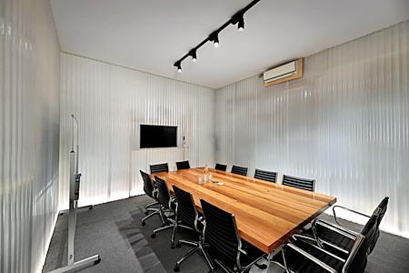 Exchange Workspaces Richmond - Board Room