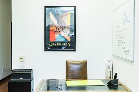 ABC Tradehouse - Dedicated Desk