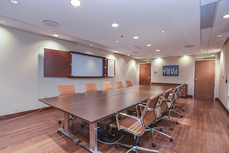 TKO Suites - 1521 Delaware - Conference Room