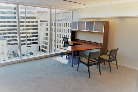 AdvantEdge Workspaces - Downtown Center - Large team office with window view