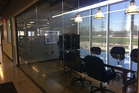 RB Coworking - Conference Room