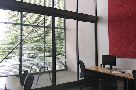 2and2 - Chippendale Shared Office