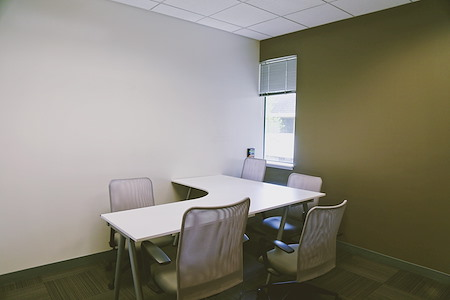 2 Waters Park - Private Office for 5-6 people