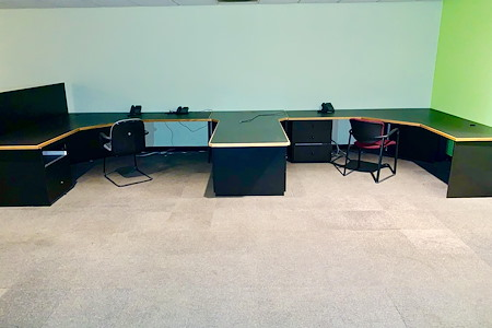 Auxano Studio and Business Center - Designated Desk