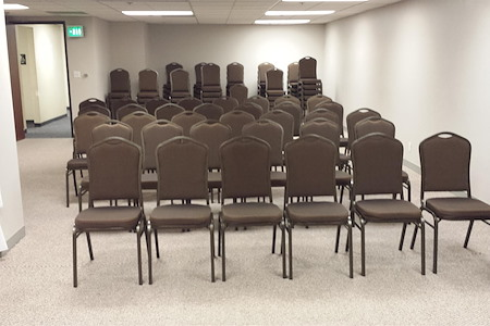 Valley Office Plaza - Meeting Room 1