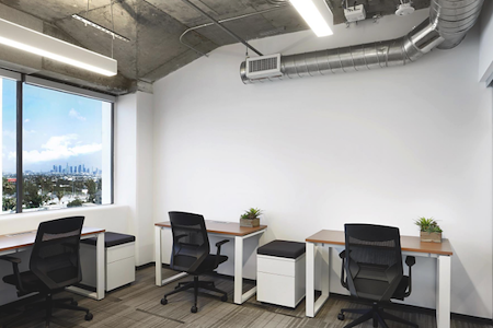 IgnitedSpaces - 6 person office - Hollywood Hills