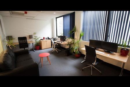 Dingo Media - Dedicated Desks