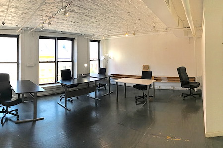 Amazing Coworking Space for rent - Office Suite 1