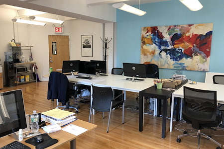 Motion New York - Open desk in separate section!