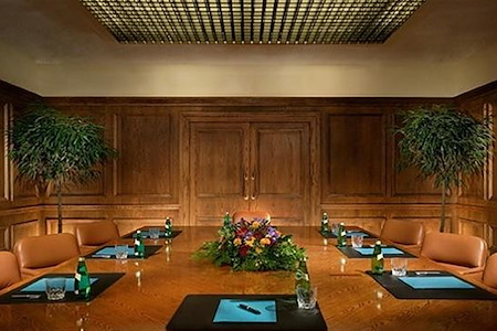 Houston Marriott Westchase - Executive Boardroom