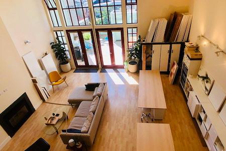 Codi - Amazing Artistic Loft Space - Open Desk 1