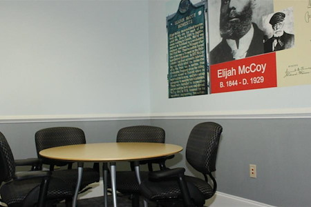 Ibis Venue Center - Elijah McCoy Small Meeting Room