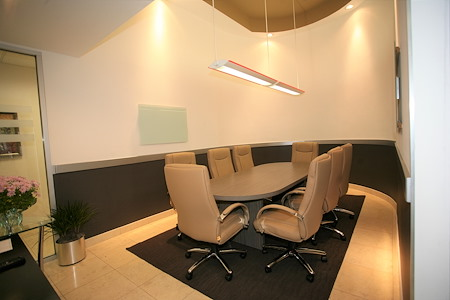 Newport Executive Center - 1st Floor Meeting Room