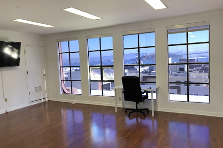 930 Montgomery - Office Penthouse in Northbeach