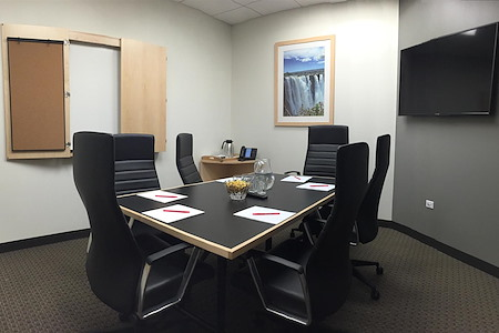 Intelligent Office - Chicago Loop - Medium Conference Room