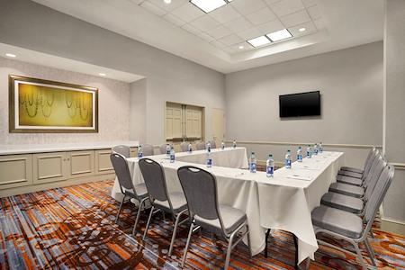 Hilton Garden Inn New Orleans Convention Center - Azalea Room