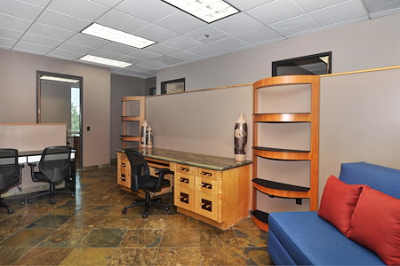 Irvine Spectrum Productivity Suites - Desk 3 (Monthly)