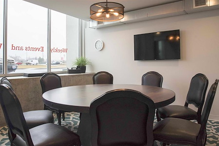 25N Coworking - Arlington Heights - Euclid Avenue Room