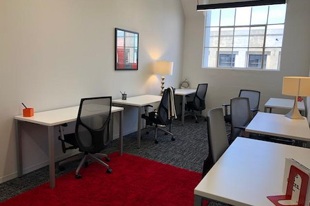 SPACES FASHION DISTRICT DTLA - Window office for 6