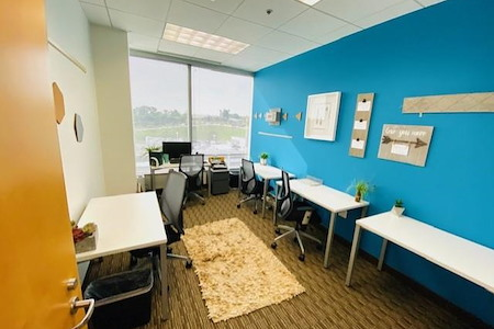 Regus- Howard Hughes - Dedicated Desk