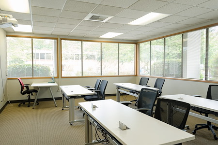 Blaze Space - Overlake PS Business Park (Bld 17) - Uranus Training Room