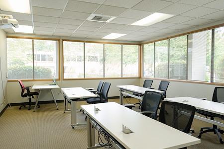 Blaze Space - Overlake PS Business Park (Bld 17) - Uranus Training Room