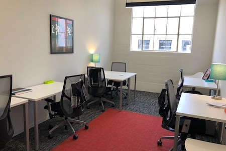 SPACES FASHION DISTRICT DTLA - Private office for up to 6