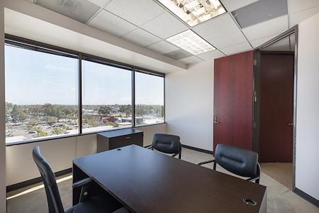 (CER) Cerritos Tower - Exterior Office